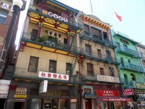 Im obersten Stock ist der Tempel.