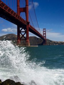 Achja, es gab da noch diese Brücke...