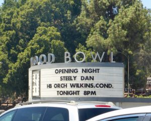 "Heute spielen ""Steely Dan"" in der Hollywood Bowl."