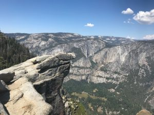 Glacier Point > Overhanging Rock.