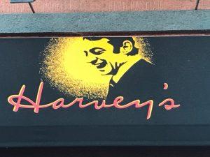 Es gibt eine Bar, die auch Harvey Milk benannt ist > gutes Essen!!