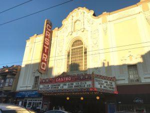 Das alte Castro-Theatre ist noch voll in betrieb, meist auch mit eher anspruchsvolleren Filmen, wie man sieht...
